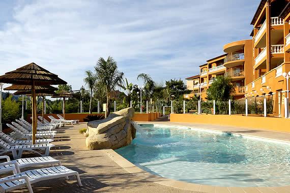 Hotel Arriere Pays Nicois Piscine